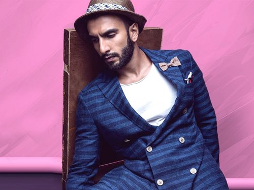 Ranveer Singh couldn't help but dance while watching Sultan in a Paris theater