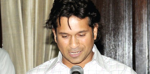Sachin is not lying, claims Manohar